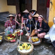 Hoi An fruit ladies