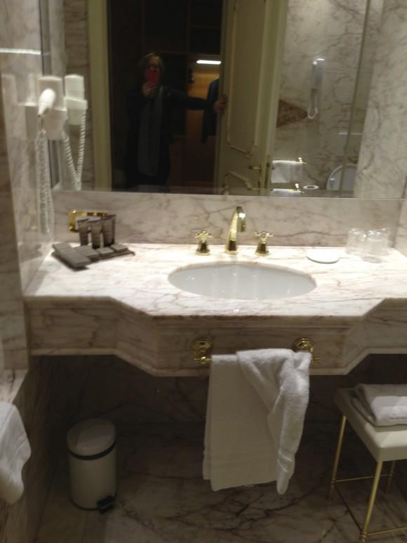 Bathroom Hotel ai Reali