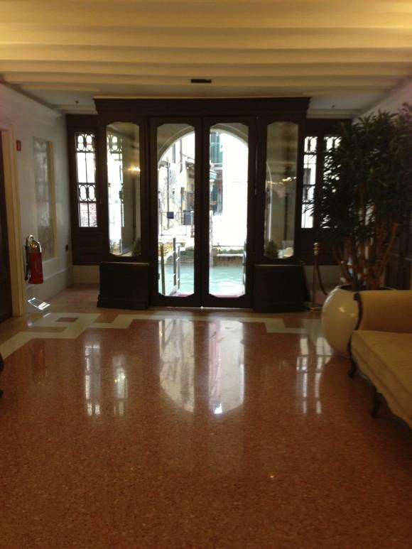 Lobby Hotel ai Reali